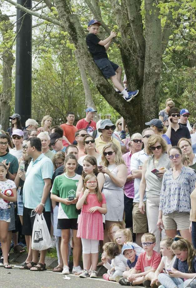 Spectators wait along Main Street for the 240th anniversary of the Battle of Ridgefield. Saturday, April 29, 2017 Photo: Scott Mullin / For Hearst Connecticut Media / The News-Times Freelance