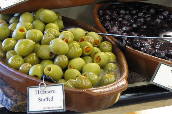 Could stuffed olives be a cure for warts?