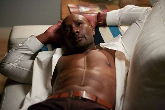 """Morris Chestnut stars as Dr. Beaumont Rosewood, Jr. in the 'Fireflies and Fidelity' episode of """"Rosewood."""""""