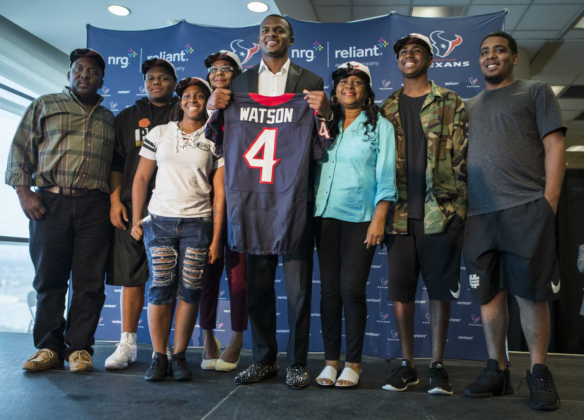 67edc8335d9 Texans top draft pick Deshaun Watson and family keep defying odds - Houston  Chronicle