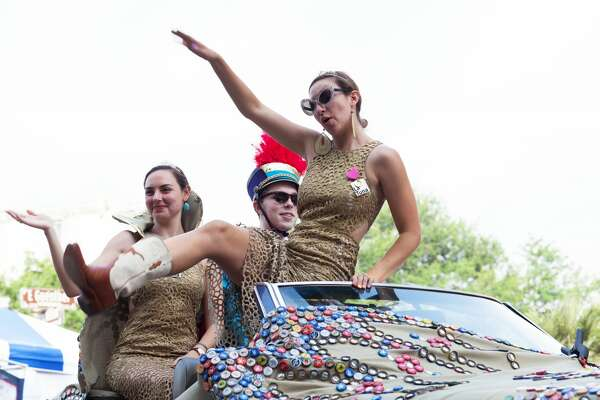 One of the more popular and zany Fiesta Events is the King William Fair. Saturday's, April 29, 2017, fair and parade more than lived up to the outrageous reputation of spoof-y floats and costumed participants.