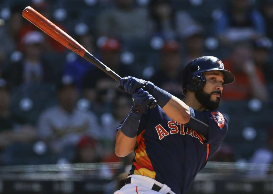 Houston Astros first baseman Marwin Gonzalez is emerging as a big weapon for the team. Photo: Yi-Chin Lee/Houston Chronicle
