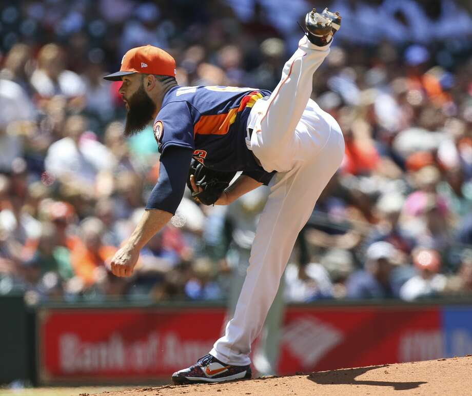 Houston Astros starting pitcher Dallas Keuchel (60) pitches during the fourth inning of the game at Minute Maid Park Sunday, April 30, 2017, in Houston. ( Yi-Chin Lee / Houston Chronicle ) Photo: Yi-Chin Lee/Houston Chronicle
