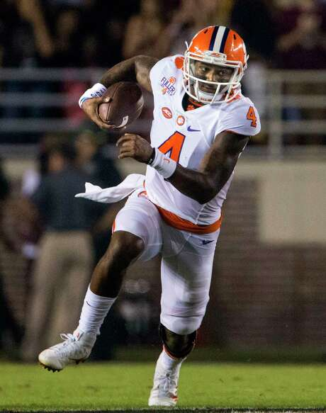 Deshaun Watson threw for 4,593 yards and 41 touchdowns during his final season at Clemson. He also rushed for 629 yards and nine scores. Photo: Mark Wallheiser, FRE / FR171224 AP