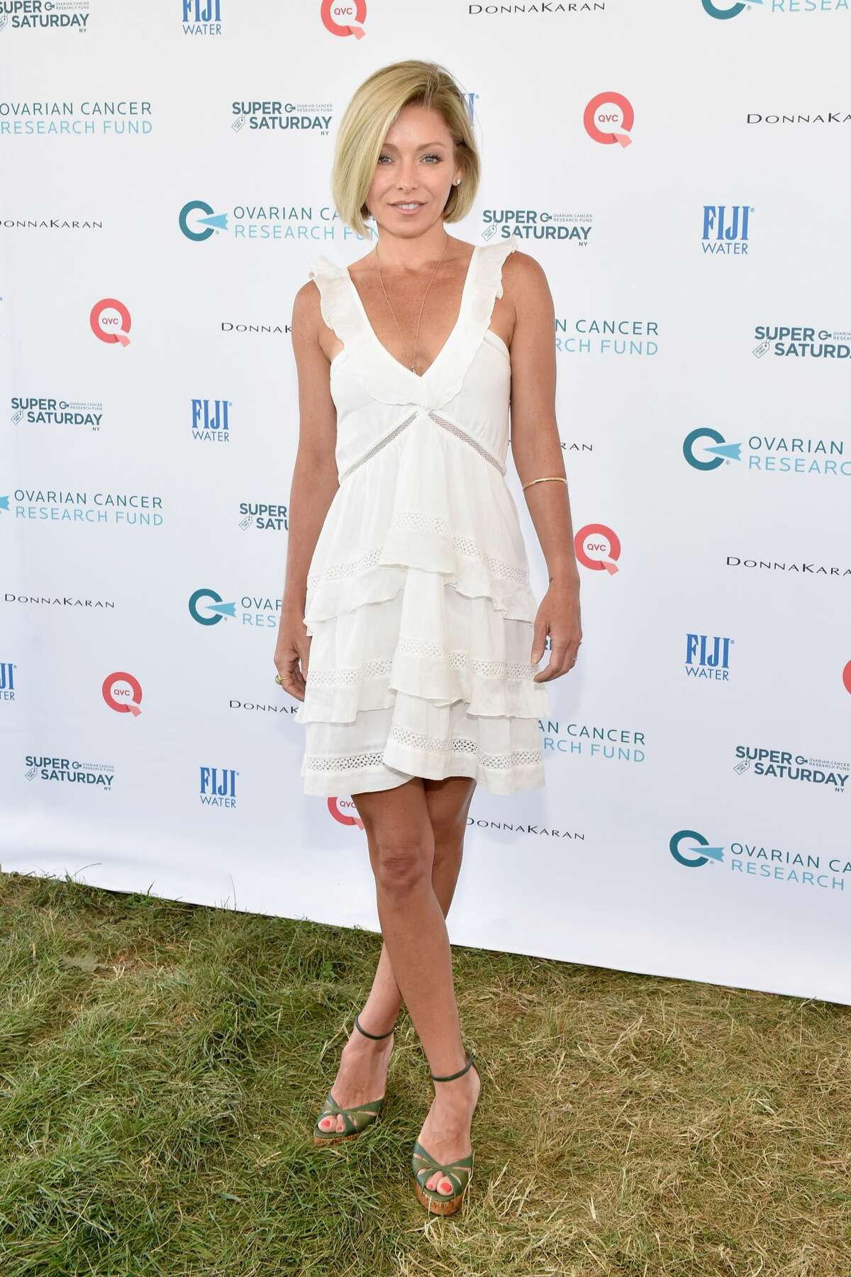 WATER MILL, NY - JULY 25: Kelly Ripa attends OCRF's 18th Annual Super Saturday NY Co-Sponsored by FIJI Water on July 25, 2015 in Water Mill, New York. (Photo by Eugene Gologursky/Getty Images)