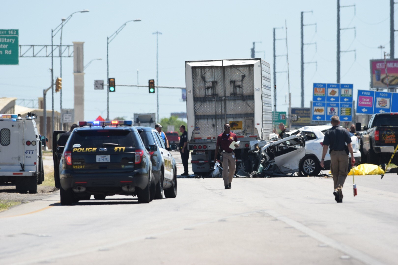 Woman Killed In Crash With 18 Wheeler On I 35 Access Road