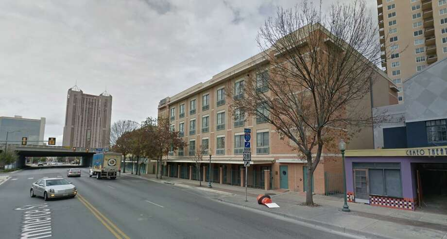 A $5.2 million Best Western Plus Sunset Suites Riverwalk in the St. Paul Square neighborhood, one block from the Convention Center, is facing foreclosure. Photo: Google Maps