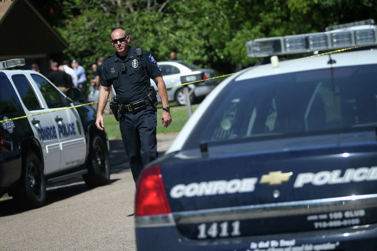 Law enforcement investigate the scene of a shooting on Monday, May 1, 2017, on the 500 block of Hildred Avenue in Conroe.