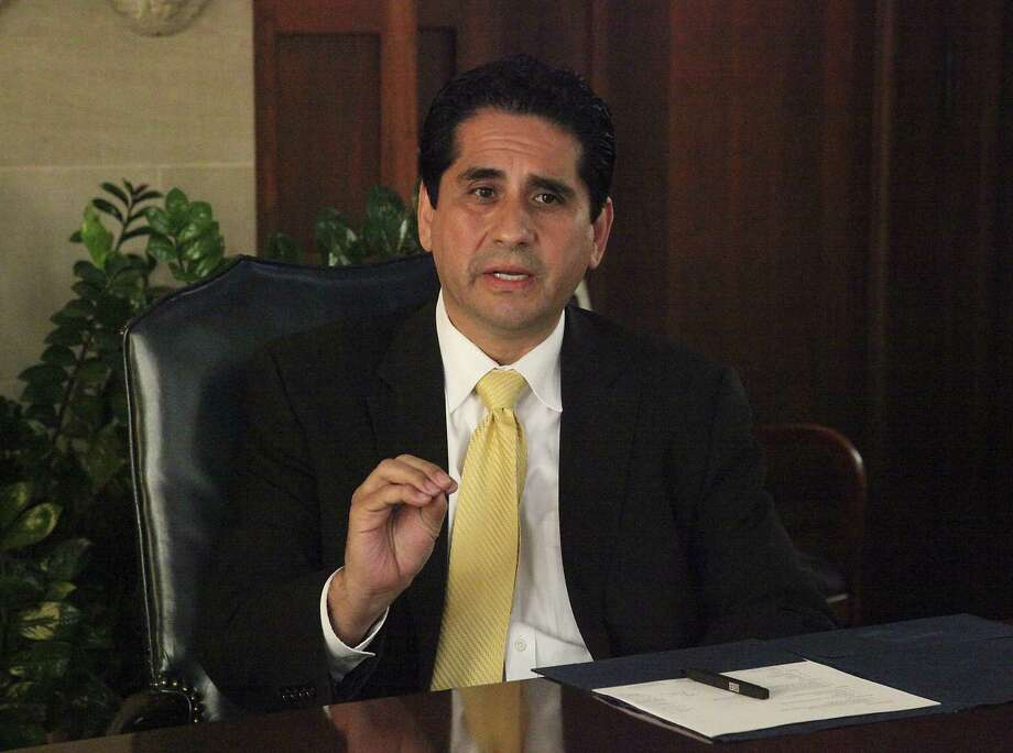 Manuel Medina has largely self-financed his campaign but recent statements don't match his statements. Photo: Juanito M Garza /San Antonio Express-News / San Antonio Express-News