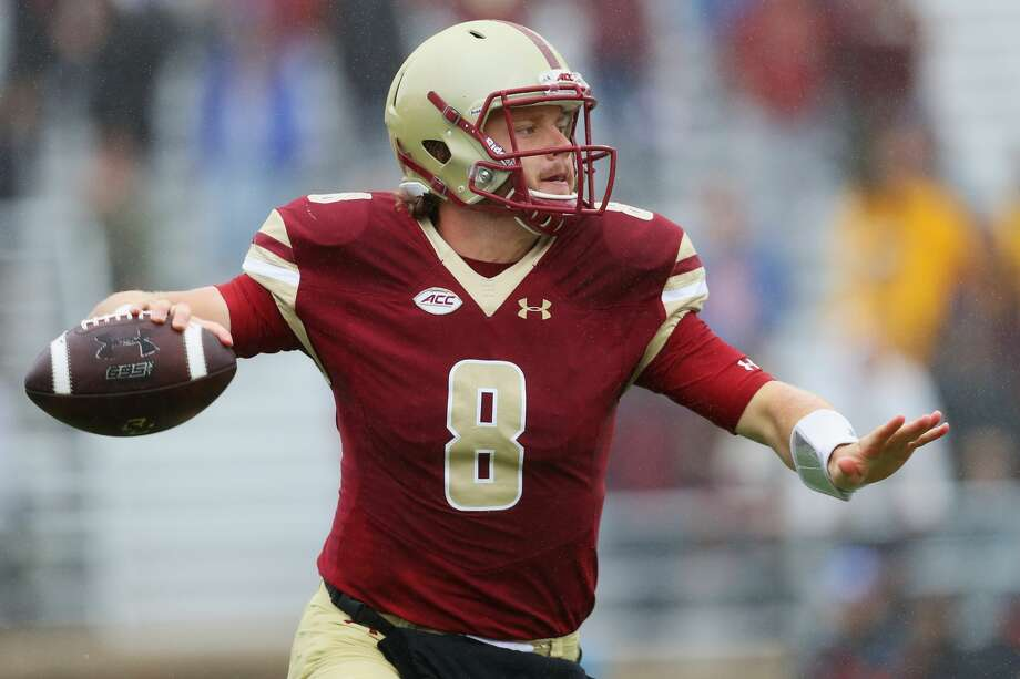 CHESTNUT HILL, MA - OCTOBER 01:  Patrick Towles #8 of the Boston College Eagles looks for a pass during the first quarter against the Buffalo Bulls at Alumni Stadium on October 1, 2016 in Chestnut Hill, Massachusetts.  (Photo by Maddie Meyer/Getty Images) Photo: Maddie Meyer/Getty Images