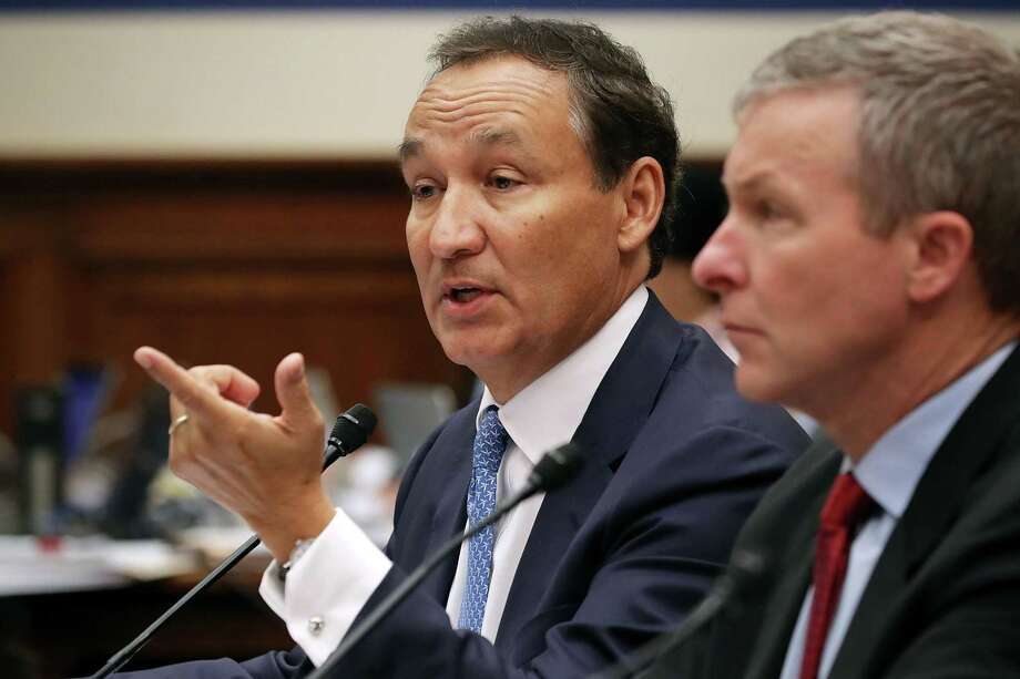 United Airlines CEO Oscar Munoz (left) and United Airlines President Scott Kirby testify before the House Transportation and Infrastructure Committee on Tuesday. The commercial airline industry has been under great scrutiny since a ticketed customer was injured as he was violently removed from a United Airlines flight on April 9. Photo: Chip Somodevilla /Getty Images / 2017 Getty Images