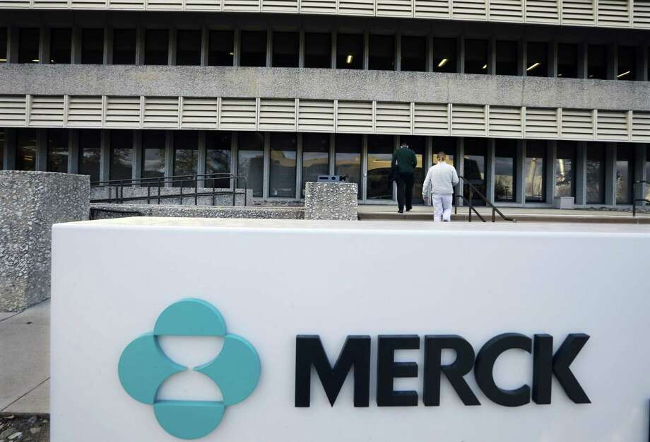 Merck reported net income of $1.55 billion, or 56 cents per share, up from $1.13 billion, or 40 cents per share, a year earlier. The drugmaker posted revenue of $9.43 billion, also topping Street forecasts for $9.29 billion. Photo: Associated Press File Photo / Copyright 2017 The Associated Press. All rights reserved.