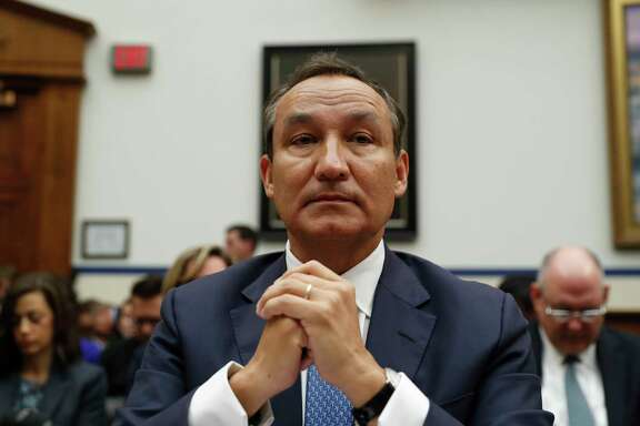 United Airlines CEO Oscar Munoz prepares to testify on Capitol Hill in Washington, Tuesday, May 2, 2017, before a House Transportation Committee oversight hearing.