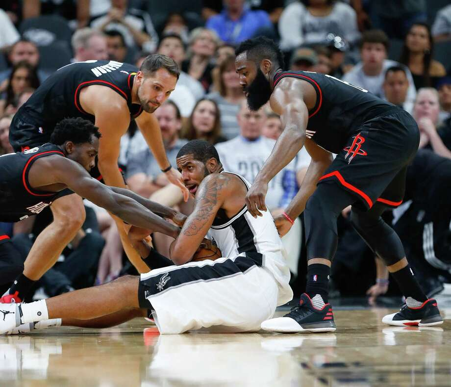 San Antonio Spurs forward LaMarcus Aldridge (12) tries to hold onto a loose ball during the second half of Game 1 of the second-round of the Western Conference NBA playoffs at AT&T Center,  Monday, May 1, 2017, in San Antonio. ( Karen Warren / Houston Chronicle ) Photo: Karen Warren, Staff Photographer / 2017 Houston Chronicle
