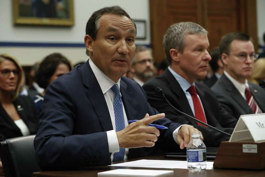 United Airlines CEO Oscar Munoz, left, accompanied by United Airlines President Scott Kirby, testifies on Capitol Hill in Washington, Tuesday, May 2, 2017, to testify before a House Transportation Committee oversight hearing.  (AP Photo/Pablo Martinez Monsivais) Photo: Pablo Martinez Monsivais, STF / Copyright 2017 The Associated Press. All rights reserved.