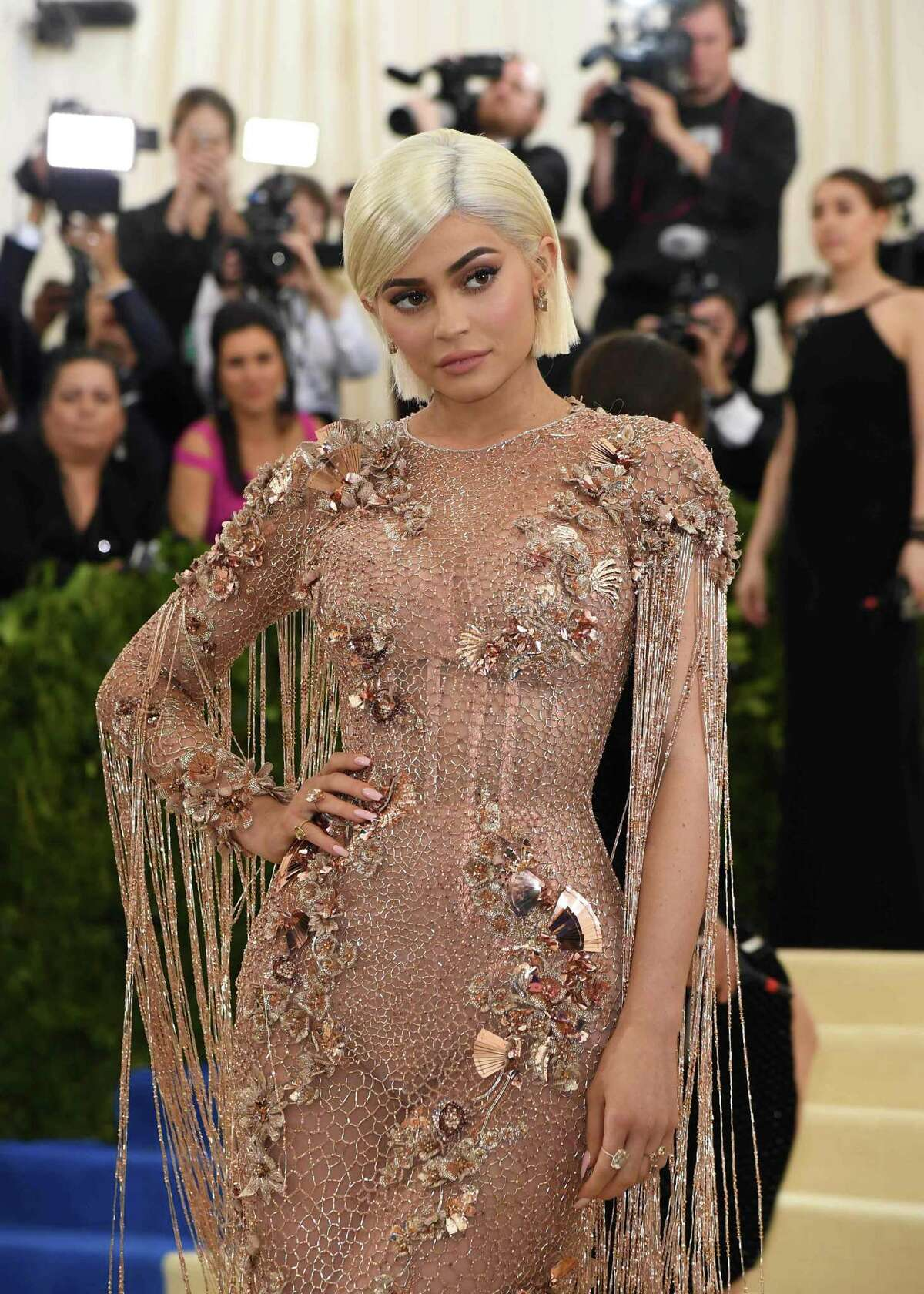 Kylie Jenner arrives for the Costume Institute Benefit on May 1, 2017, at the Metropolitan Museum of Art in New York. / AFP PHOTO / ANGELA WEISSANGELA WEISS/AFP/Getty Images ORG XMIT: The Metro
