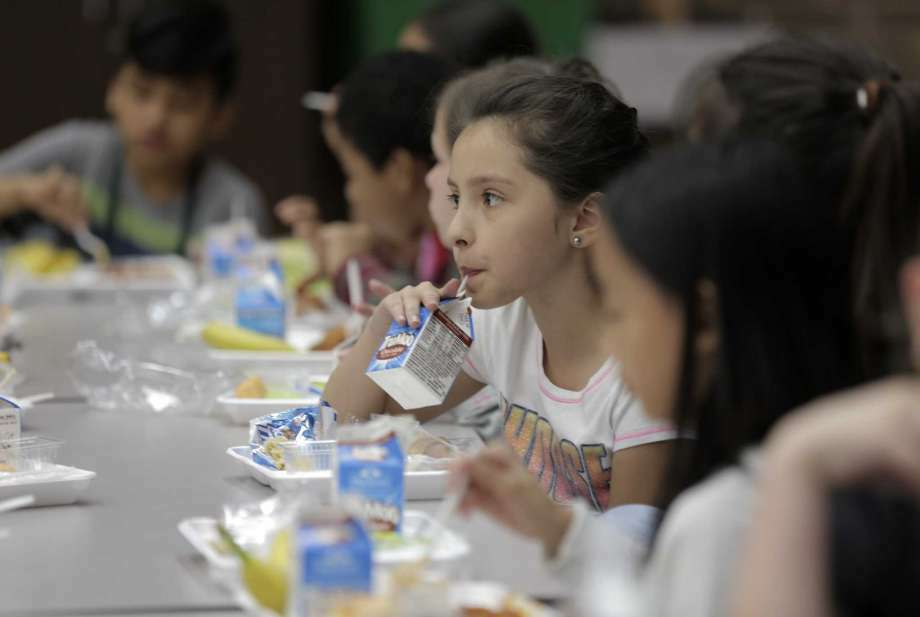 Some school districts such as Pasadena  offer alternative lunches when students can't pay. A few provide the same meal to all, including those who don't have their lunch money.
