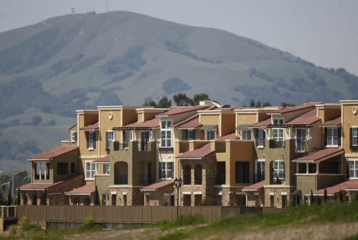 FILE-- A huge complex of apartments and condos were recently built on what was once open pasture in Dublin, Calif. Photo taken on April 2, 2008. Urban sprawl is creating congestion throughout the bay area. New homes are being built on what was once open hills and pastures.