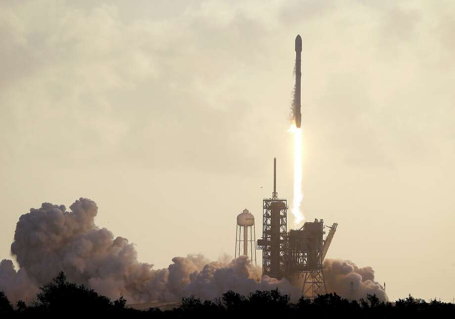 A Falcon 9 SpaceX rocket carrying a classified satellite for the National Reconnaissance Office lifts off from pad 39A at the Kennedy Space Center in Cape Canaveral, Fla., Monday, May 1, 2017. (AP Photo/John Raoux) Photo: John Raoux, Associated Press