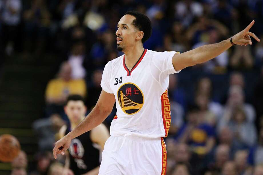 Golden State Warriors guard Shaun Livingston (34) during the second half of an NBA basketball game between the Golden State Warriors and the Los Angeles Clippers at Oracle Arena on Saturday, Jan. 28, 2017 in Oakland, Calif. Warriors won 144-98. Photo: Santiago Mejia / The Chronicle / ONLINE_YES