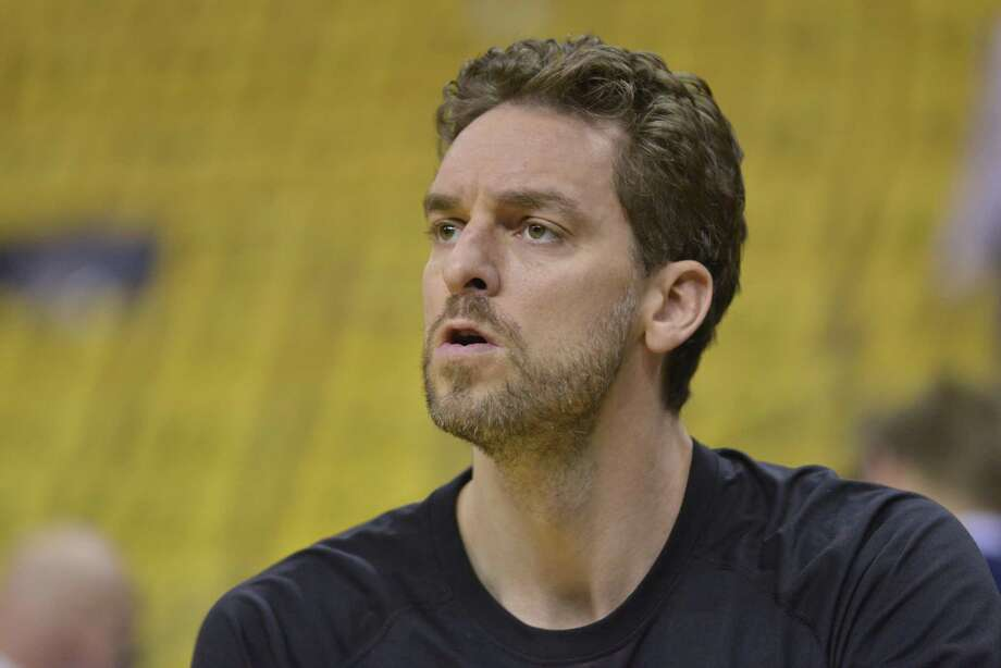 Pau Gasol in Game 2 got his first start since Jan. 17, with David Lee returning to the bench. Photo: Brandon Dill /Associated Press / FR171250 AP