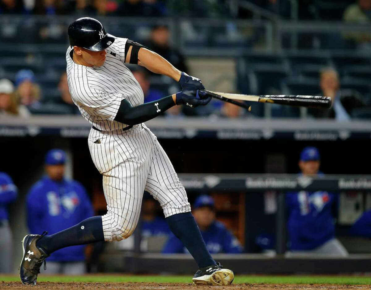 NEW YORK, NY - MAY 03: Aaron Judge #99 of the New York Yankees breaks his bat as he hits a single in the seventh inning against the Toronto Blue Jays during a game at Yankee Stadium on May 3, 2017 in New York City. (Photo by Rich Schultz/Getty Images) ORG XMIT: 700010634