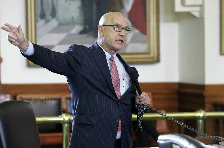 Senator John Whitmire, D-Houston, has introduced legislation that will require judges to assess risk and give them more leeway in releasing low-income defendants on their own recognizance. Photo: Tom Reel /San Antonio Express-News / 2017 SAN ANTONIO EXPRESS-NEWS