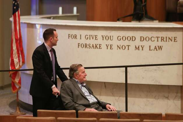 Former President George H.W. Bush arrives at the Congregation Beth Israel to receive a Mensch Award Wednesday, March 8, 2017, in Houston. Photo: Steve Gonzales, Houston Chronicle / © 2017 Houston Chronicle