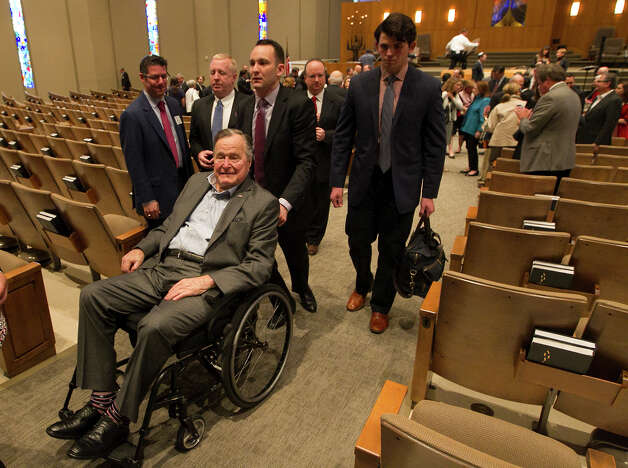 Former President George H.W. Bush leaves the  Congregation Beth Israel after receiving a Mensch Award Wednesday, March 8, 2017, in Houston. Photo: Steve Gonzales, Houston Chronicle / © 2017 Houston Chronicle