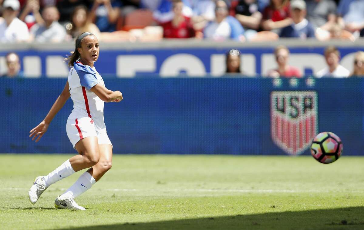HOUSTON, TX - APRIL 09: Mallory Pugh #2 of the U.S. takes a shot on goal in the first half against Russia during the International Friendly soccer match at BBVA Compass Stadium on April 9, 2017 in Houston, Texas. (Photo by Tim Warner/Getty Images)