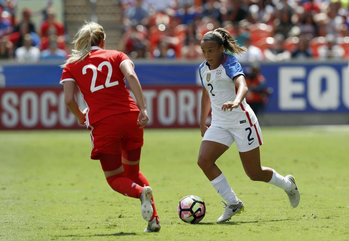HOUSTON, TX - APRIL 09: Mallory Pugh #2 of the U.S. controls the ball defended by Ksenia Kovalenko #22 of Russia in the second half during the International Friendly soccer match at BBVA Compass Stadium on April 9, 2017 in Houston, Texas. (Photo by Tim Warner/Getty Images)