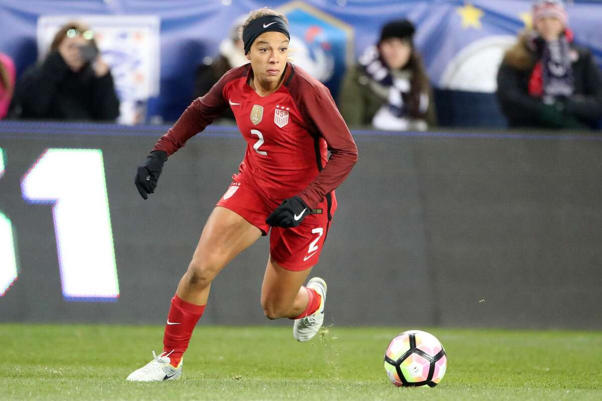 HARRISON, NEW JERSEY- MARCH 4: Mallory Pugh #2 of United States in action during the USA Vs England SheBelieves Cup match at Red Bull Arena on March 4, 2017 in Harrison, New Jersey. (Photo by Tim Clayton/Corbis via Getty Images)
