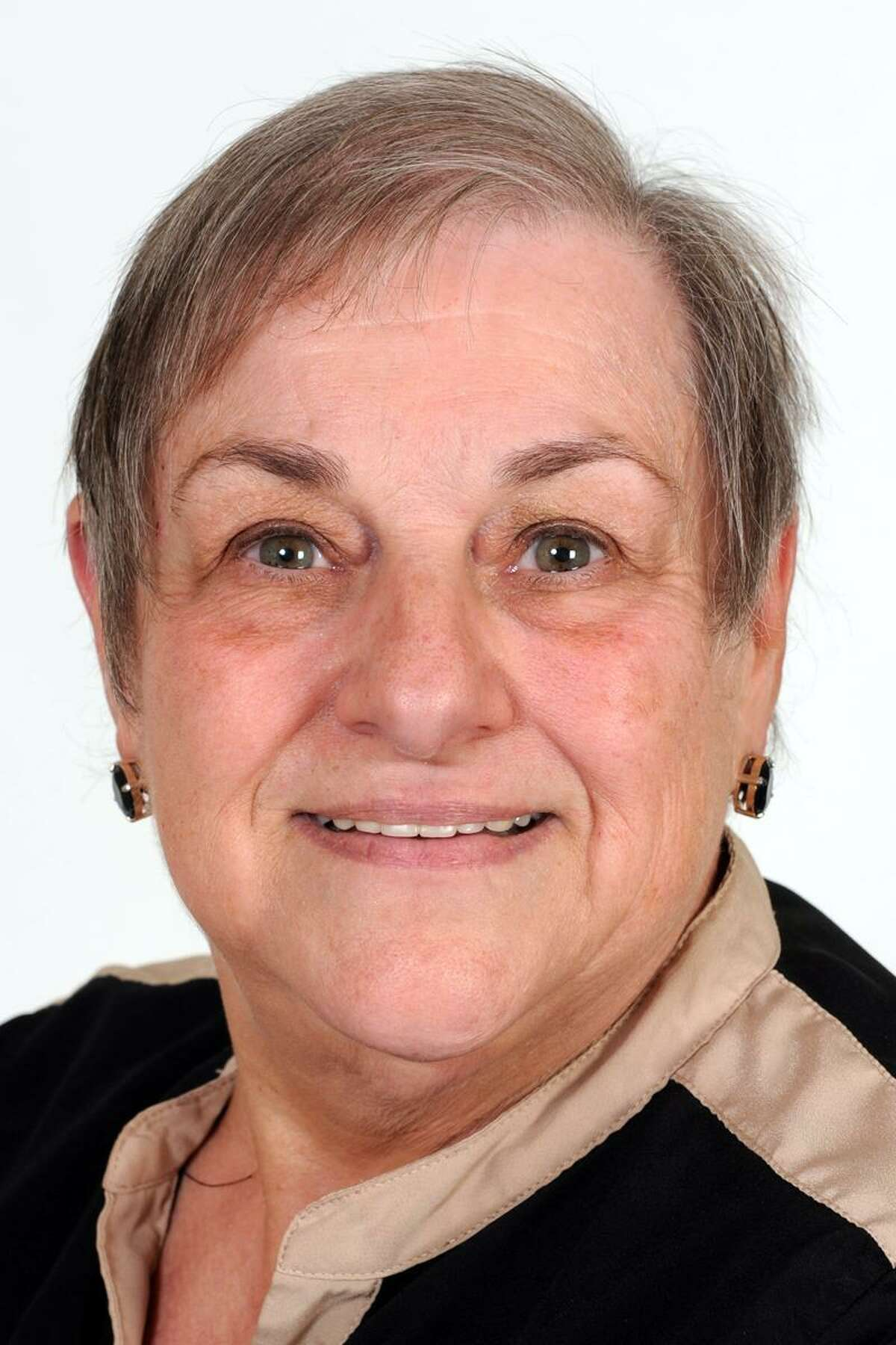 Kathy Johnson, former democratic candidate for First Selectman of Oxford, resigned as a Democrat and will run as an unaffiliated candidate next year.