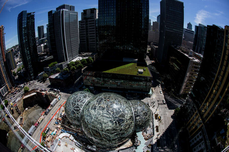 "Amazon's biospheres, ""The Spheres"" near completion in downtown Seattle, on Thursday, May 4, 2017. Photo: GRANT HINDSLEY, SEATTLEPI.COM / SEATTLEPI.COM"