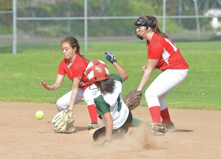Brien McMahons 2 Bry Perez Grabs The Ground Ball With 15 Claire Houck As