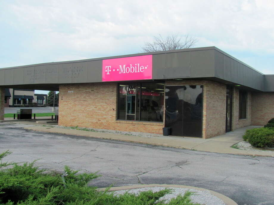 T-Mobile store opens on Eastman in Midland - Midland Daily News
