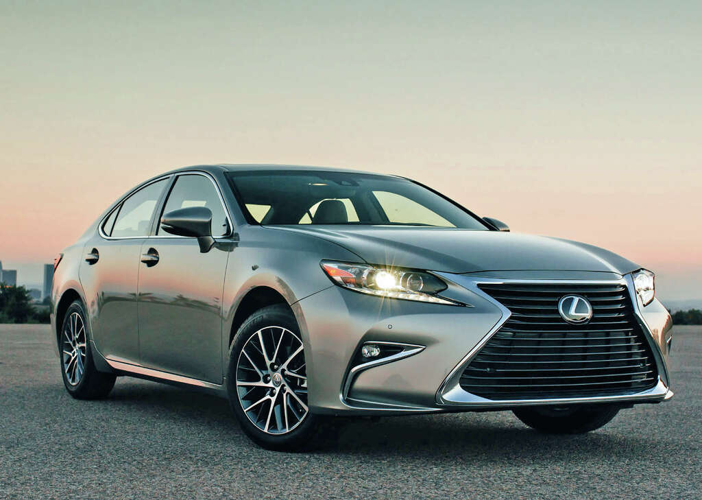 Lexus ES for 2017 comes in gasolineonly or hybrid version