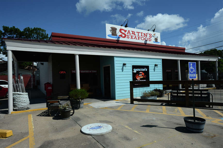 Sartin's Seafood in Nederland.