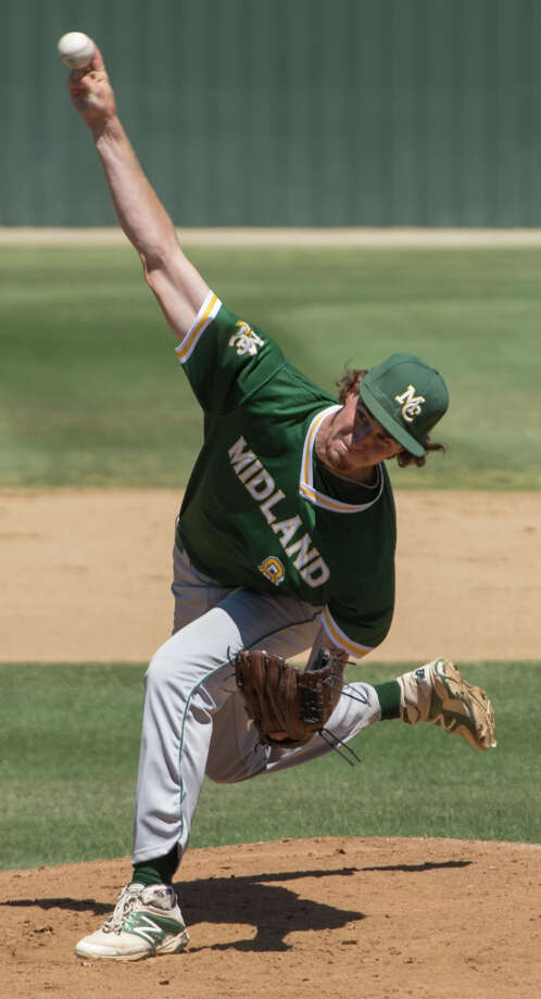 Midland College starting pitcher Callan Johnson delivers a pitch 5/05/17 in the first game against Odessa College in Odessa. Tim Fischer/Reporter-Telegram Photo: Tim Fischer/Midland Reporter-Telegram
