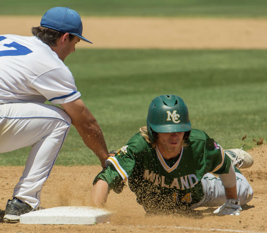 Midland College's Ethan Barker beats the tag on a pick-off attempt as Odessa College's Andrew Morales is late on the tag 5/05/17 in Odessa. Tim Fischer/Reporter-Telegram Photo: Tim Fischer/Midland Reporter-Telegram