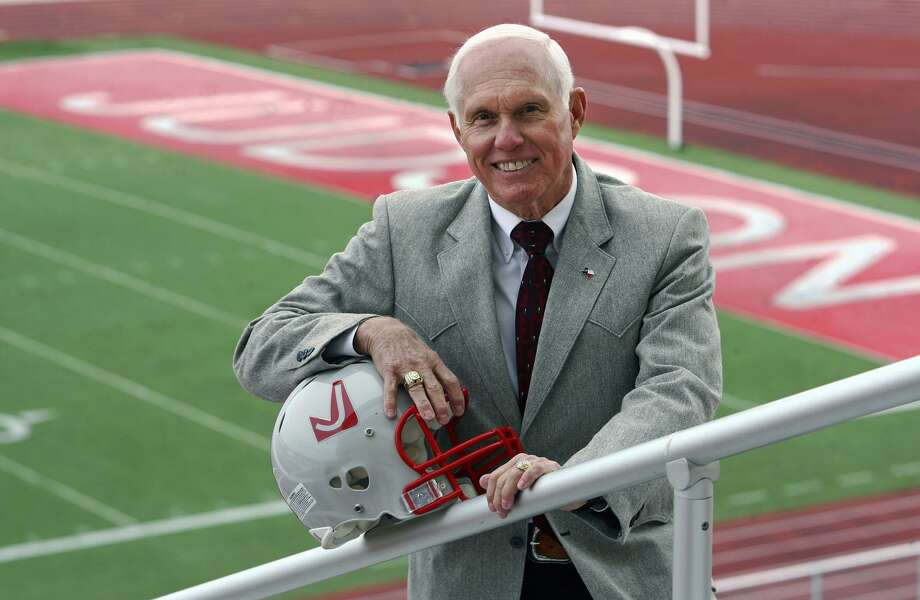 Former Judson Rockets coach Frank Arnold poses at Judson Stadium, later renamed Rutledge Stadium, in 2009. Photo: Tom Reel /San Antonio Express-News / treel@express-news.net