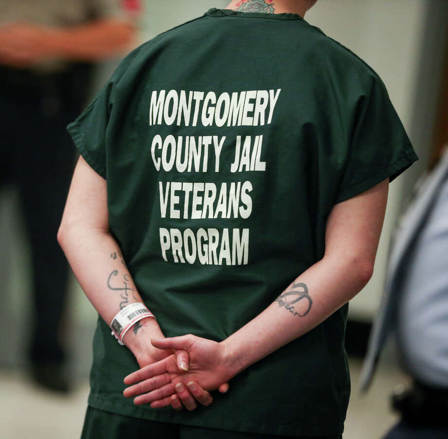 The dark green uniform of inmates in Montgomery County Jail's Pod 7 Veterans Program is pictured on Monday, May 1, 2017. Photo: Michael Minasi, Staff Photographer / © 2017 Houston Chronicle
