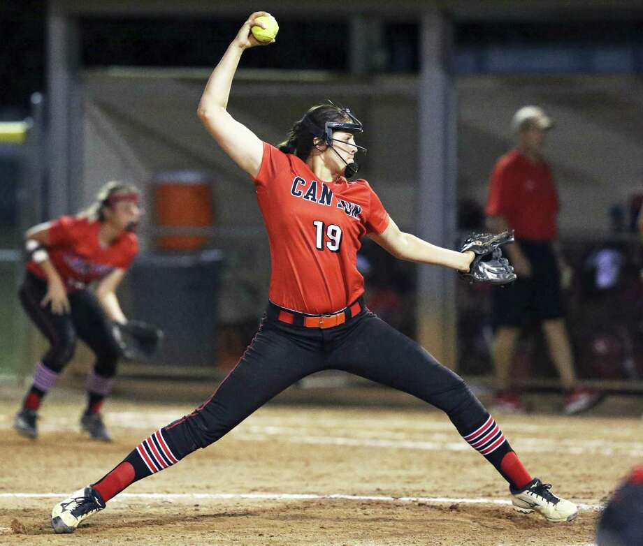 Brooke Vestal comes in to save the game for the Cougars as Canyon plays MacArthur in clas 6A second round softball playoffs on May 5, 2017. Photo: Tom Reel, Staff / San Antonio Express-News / 2017 SAN ANTONIO EXPRESS-NEWS