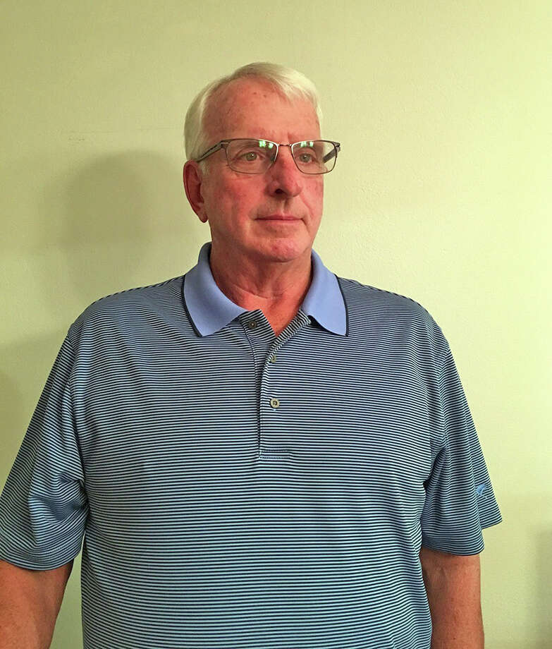 Bryan Wilkinson, who has helped coach the Edwardsville boys' basketball team since 1992, is being inducted into the Illinois Basketball Coaches Association Hall of Fame.