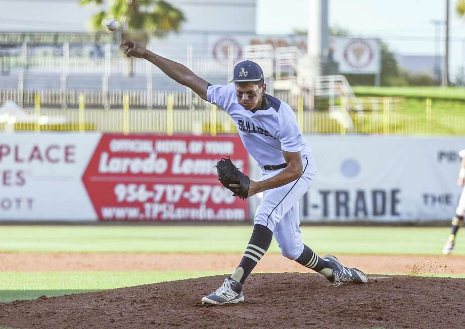 Paco Hernandez went 4-1 with a 1.93 ERA, 1.05 WHIP and 44 strikeouts in 42 innings as a sophomore. He also hit .222 with 27 RBIs and 15 runs. Photo: Danny Zaragoza /Laredo Morning Times File