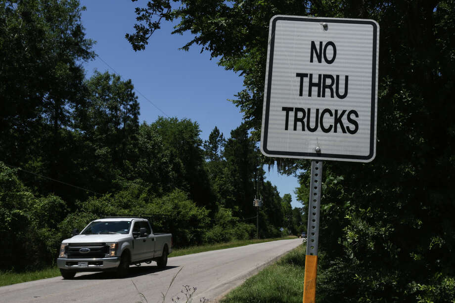 "A ""No Thru Trucks"" sign is pictured on the corner of Old Hockley Road and Nichols Sawmill Road on Friday, May 5, 2017 in Magnolia. Photo: Michael Minasi, Staff Photographer / © 2017 Houston Chronicle"