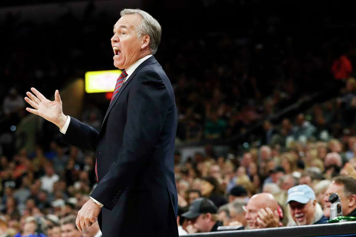 Houston Rockets head coach Mike D'Antoni reacts from the sideline during the first half of Game 2 of the second-round of the Western Conference NBA playoffs at AT&T Center, Wednesday, May 3, 2017, in San Antonio. ( Karen Warren / Houston Chronicle )