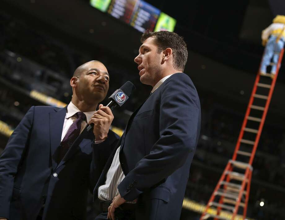 When Luke Walton coached the Warriors, he's interviewed with the Nuggets' mascot in view. Photo: Doug Pensinger / Doug Pensinger / Getty Images 2015 / 2015 Getty Images