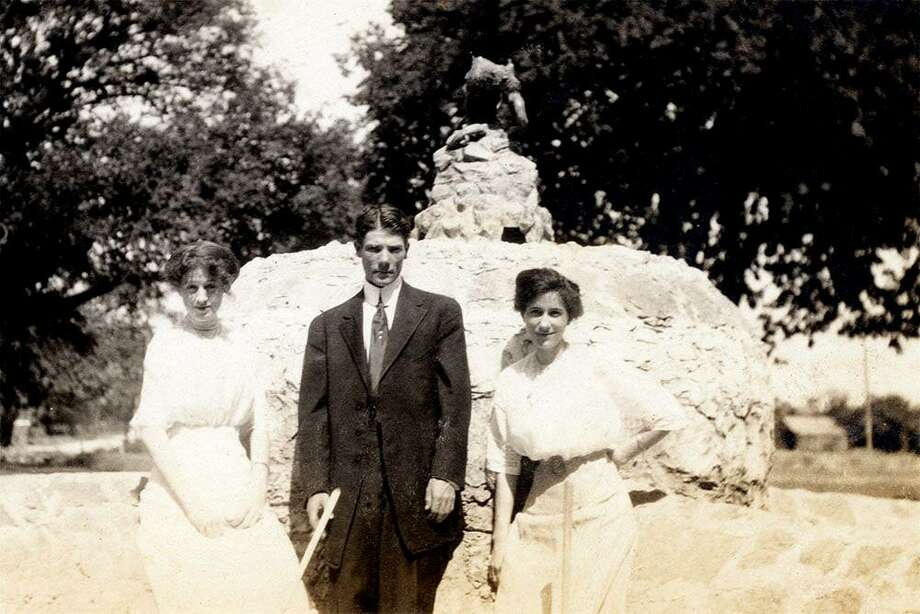 A couple poses in 1912 with the star-shape feature in the west end of San Pedro Springs Park. Photo: Friends Of San Pedro Springs Park