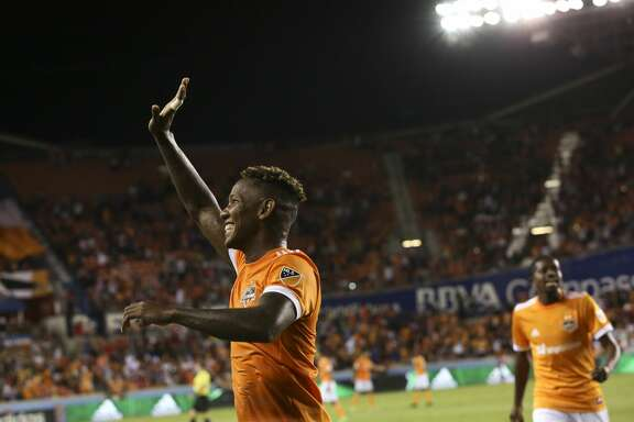 Houston Dynamo forward Romell Quioto waves at the fans after scoring during the second half of the game at BBVA Compass Stadium Saturday, May 6, 2017, in Houston. Houston Dynamo defeated Orlando City SC 4-0. ( Yi-Chin Lee / Houston Chronicle )